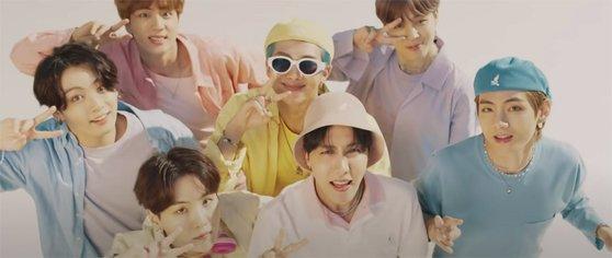 BTS『Dynamite』のプロモビデオ。[ユーチューブ キャプチャー]