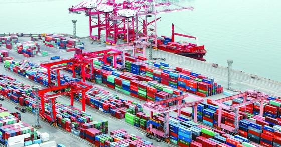 昨年の韓国成長率が15カ国中3位を占めたことが分かった。