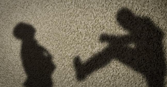 米国ロサンゼルス(LA)のコリアンタウンで韓国系20代男性が無差別暴行を受けて殺害の脅迫まで受ける事件が起きた。