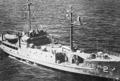 1968年1月、北朝鮮の艦艇に拿捕され元山港に強制曳航された米海軍諜報船プエブロ号[中央フォト]