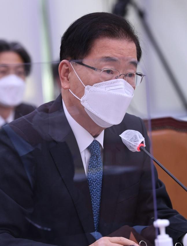 鄭義溶(チョン・ウィヨン)外交部長官 オ・ジョンテク記者