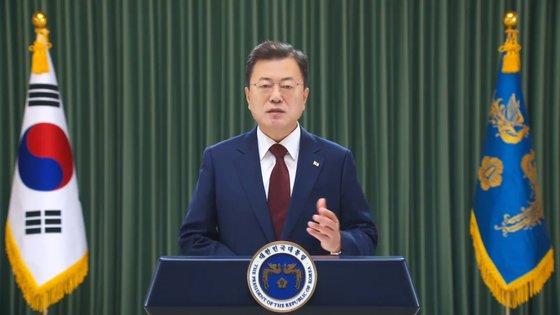 20日、2021年博鰲フォーラム年次総会の開幕式に映像メッセージで参加した文在寅(ムン・ジェイン)大統領。 (青瓦台提供映像キャプチャー)