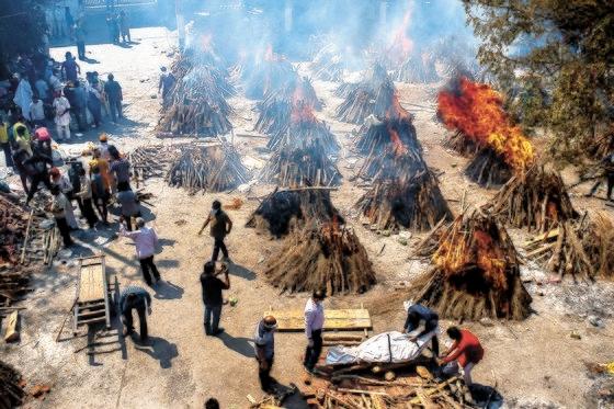 インド コロナ 火葬場