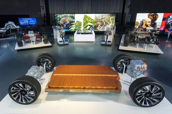 LGエネルギーソリューションとGMの合弁法人アルティウムセルズが開発したアルティウムバッテリーとプラットフォーム。[写真 GM]