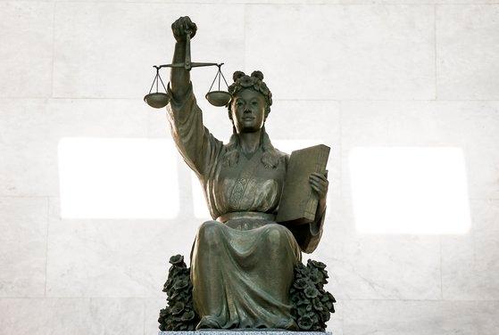 大法院(最高裁)の正義の女神像 ソウル瑞草洞(ソチョドン) キム・ソンリョン記者