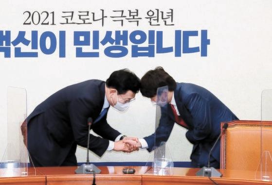 韓国与野党代表が初めて会った。オ・ジョンテク記者
