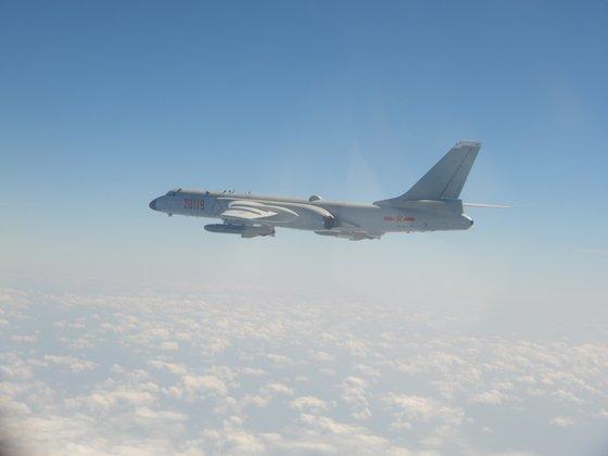 中国人民解放軍空軍H-6戦略爆撃機。核武装が可能だ。[写真 台湾国防部]