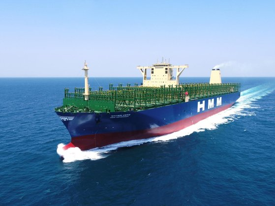 韓国の造船業界が1~7月の受注量基準で13年ぶりの最多を記録した。写真は大宇造船海洋が建造した超大型コンテナ船。[写真 大宇造船海洋]