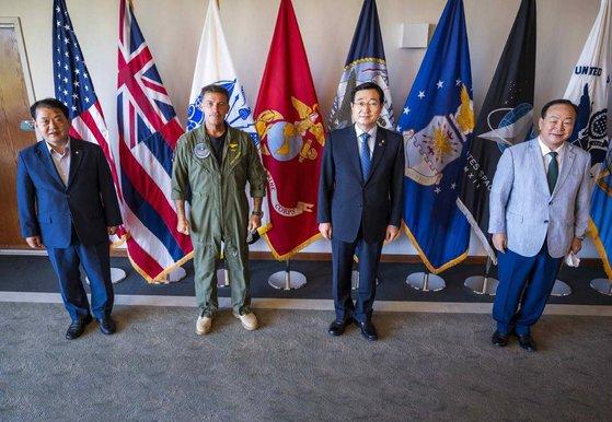 アキリーノ米インド太平洋軍司令官と会った国会国防委員会代表団 [写真 国会国防委員会]
