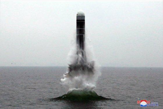 2019年10月に中央通信のホームページに公開された北極星3型の試験発射。